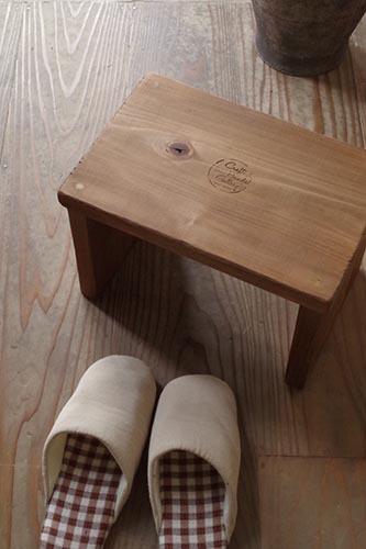 アンティーク風木製スツール
