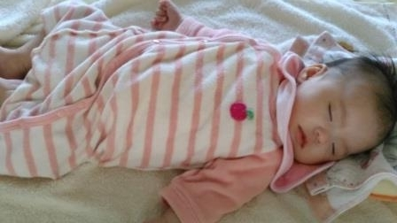 ㉝誕生2か月、昼寝