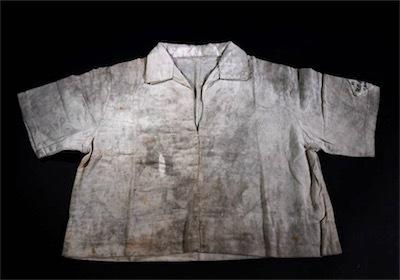 広島の黒い雨を浴びたシャツaan-survivor-a-20180807-870x609
