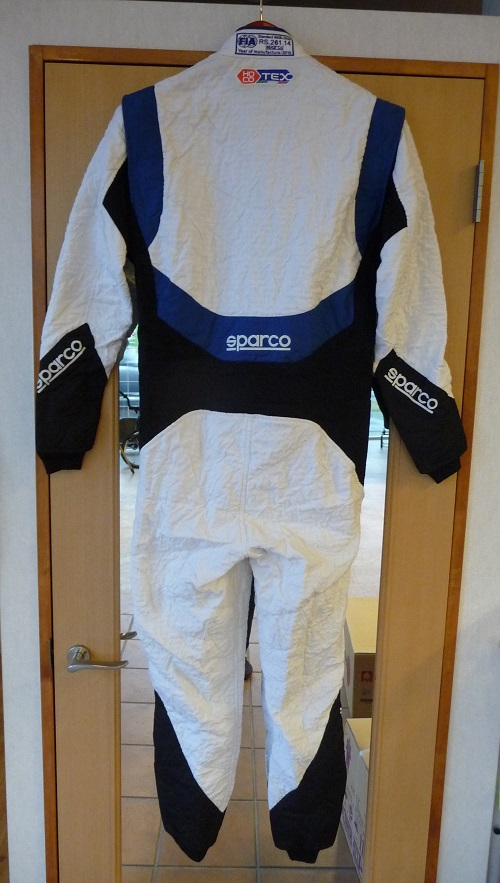 sparco_RS-8背面