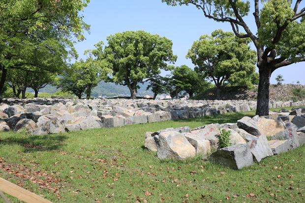 ④石垣置き場