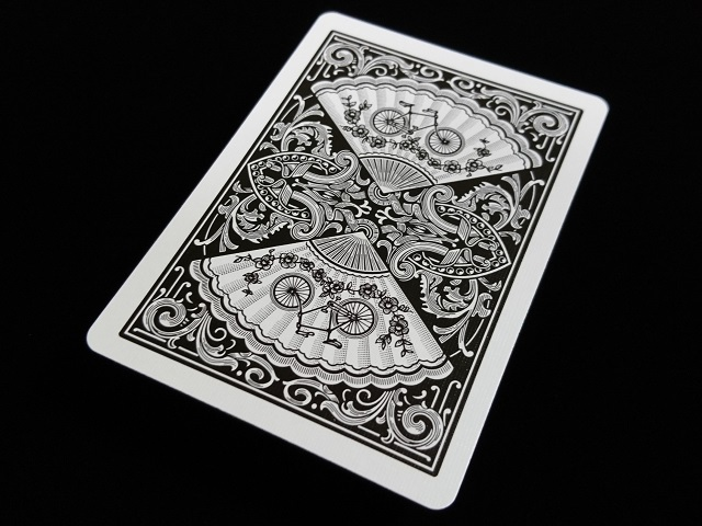 New Fan Back Playing Cards Black (BICYCLE) (3)