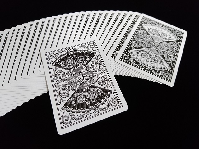 New Fan Back Playing Cards Black (BICYCLE) (4)