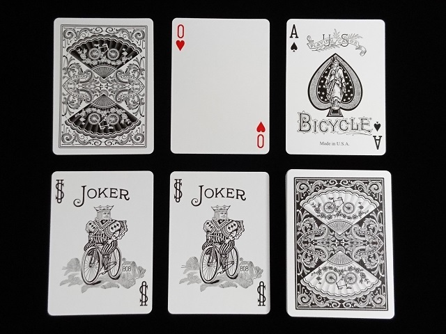New Fan Back Playing Cards Black (BICYCLE) (5)