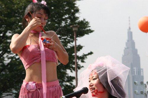 「戦争よりエロスを!」母乳アートで世界を救う端緒を開く人妻、増山麗奈!!