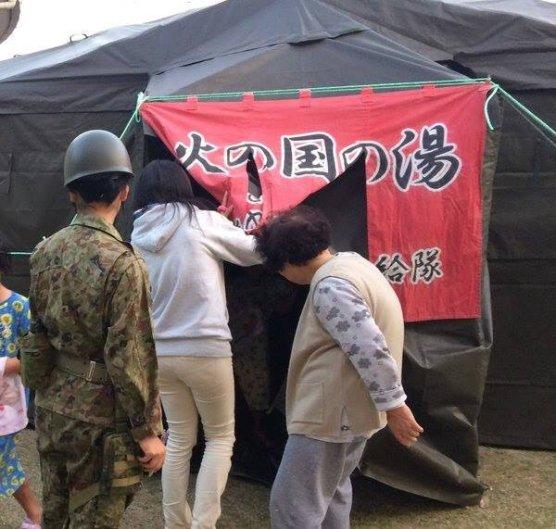 緊急でつくった銭湯はもちろん地域住民が優先で、自衛隊員は基本的に使用しない。入れたとしても3日に1日ほど。