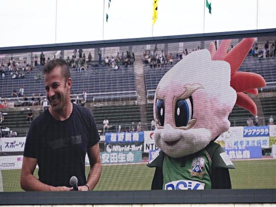 FC岐阜_デル・ピエロ氏とギッフィー2018_02