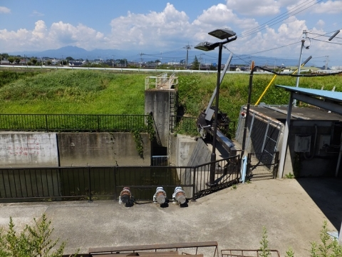 井路縁川地下水路トンネル呑口・排水施設
