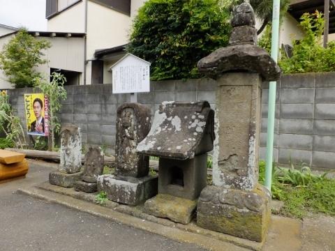 愛川町中津「辻の神仏」