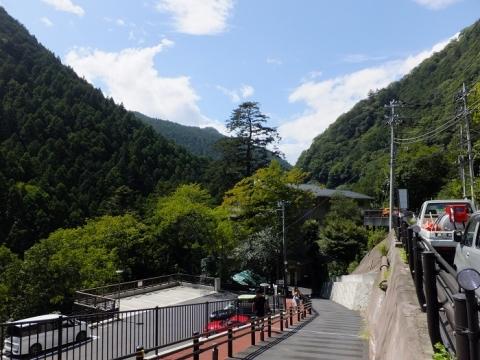 鳩ノ巣渓谷・鳩ノ巣小橋付近の眺め