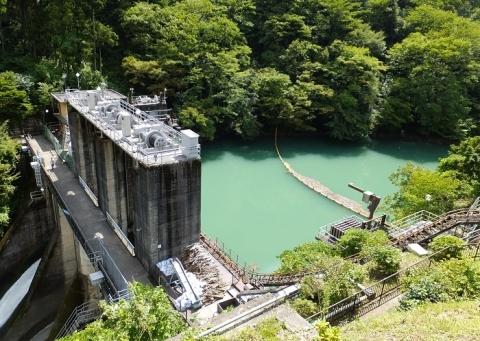 白丸調整池と白丸ダム