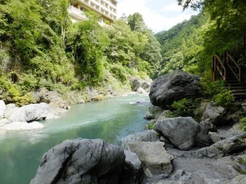 多摩川の鳩ノ巣渓谷