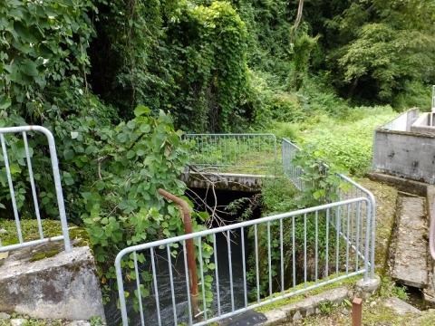 貝田新円筒分水から始まる用水路