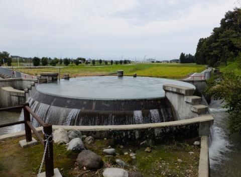 東山円筒分水槽・富山県魚津市東山