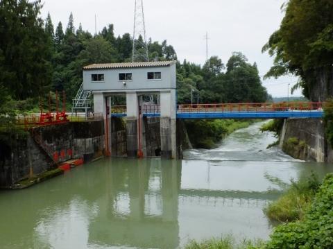上市川第一発電所下流の頭首工