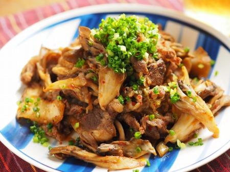 牛こま肉と舞茸のバターキムチ026
