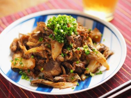 牛こま肉と舞茸のバターキムチ017
