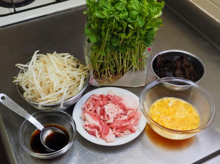 豆苗ともやしのスタミナ炒め024