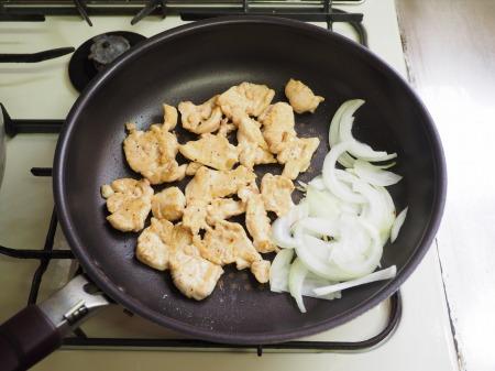 温玉鶏むね肉ナポリタン053