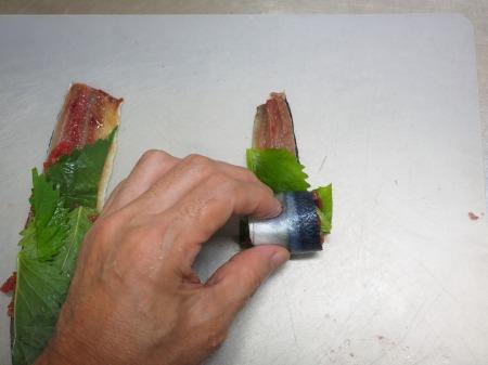 塩サンマ梅肉大葉巻き焼き036
