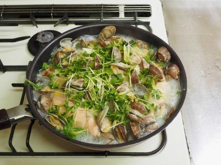 鮭とあさりのフライパン酒蒸し053