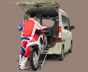 n-vanバイク積載写真