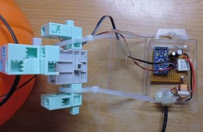 かぼちゃ電飾・サーボモーターと制御回路
