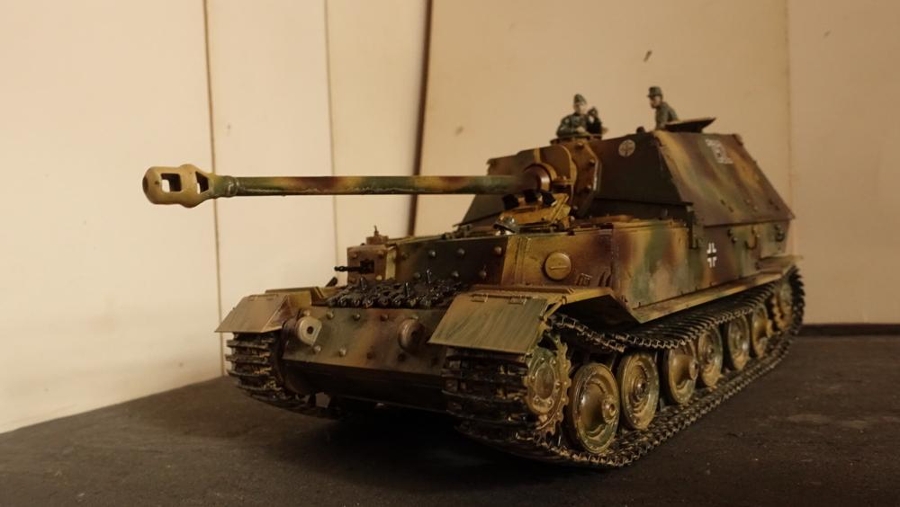 タミヤのミリタリーミニチュアシリーズ  No.325 ドイツ駆逐戦車 エレファントのプラモの写真
