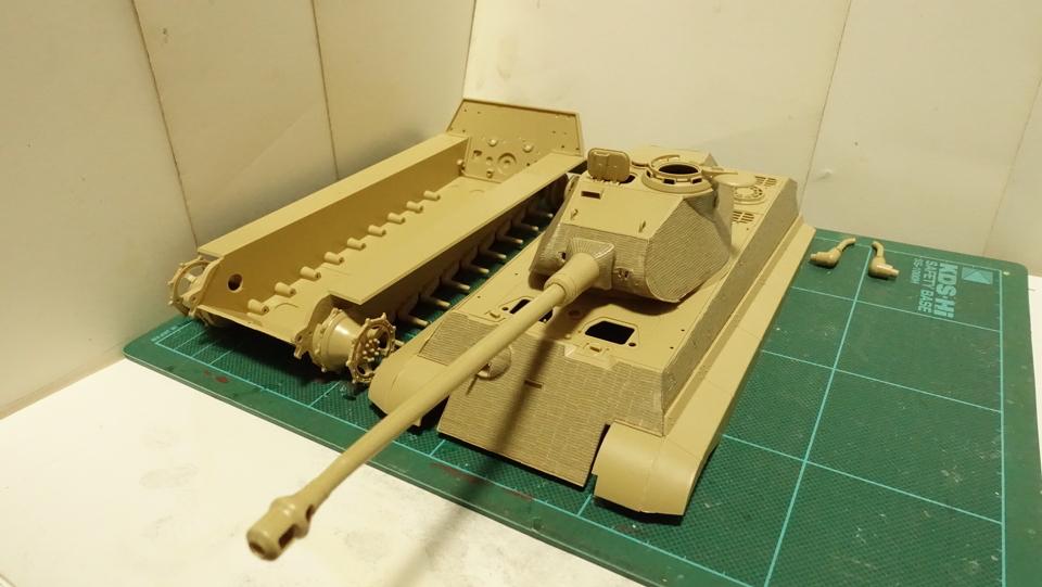 タミヤのミリタリーミニチュアシリーズ  No.169 ドイツ 重戦車キングタイガー(ポルシェ砲塔) その3