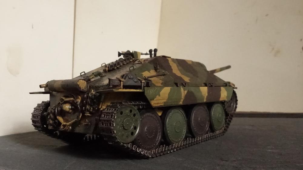 タミヤのミリタリーミニチュアシリーズ  No.285 ドイツ駆逐戦車 ヘッツアー 中期生産型のプラモの写真
