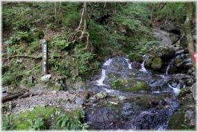 180820E 019白孔雀の滝32