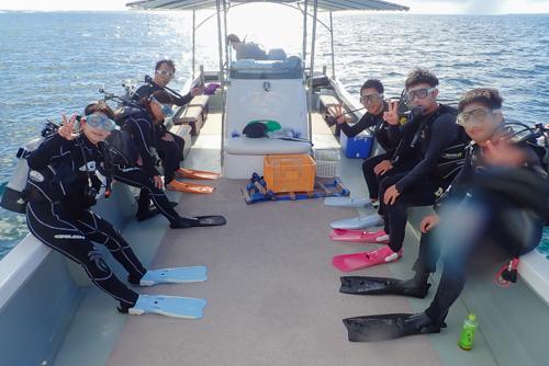 瀬底島ボートダイビング