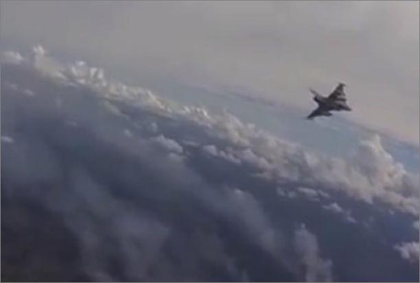 sb-01ターゲットの火災現場に向かう戦闘機