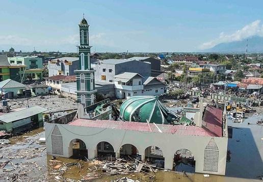 main_900The Deadly Earthquake and Tsunami