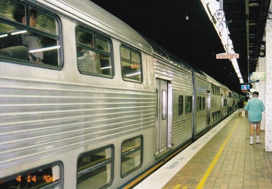 040414シドニー電車-1