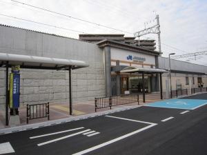 JR総持寺駅2