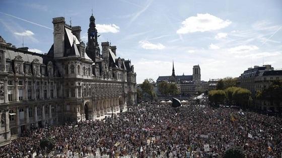 環境保護デモ行進 パリ