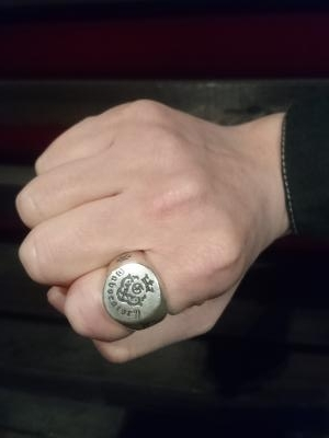 Logo_small_signet_ring_008.jpg