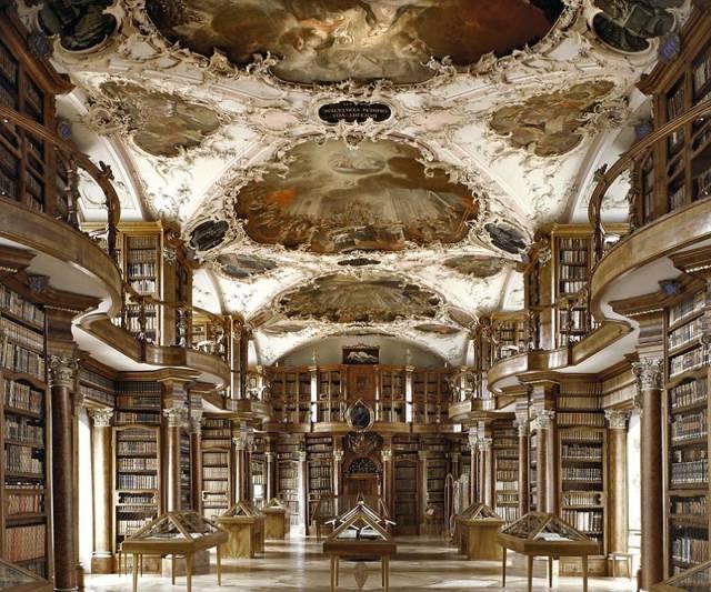美し過ぎる世界の図書館の画像(1枚目)