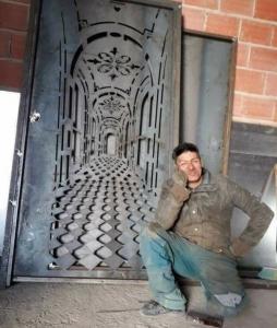 奥行きがあるドア01