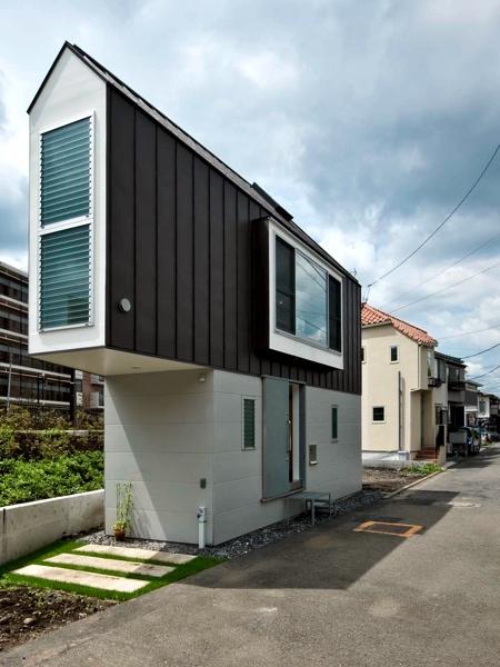 薄すぎる三角形の住宅の画像(7枚目)