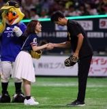 渚ちゃんと握手