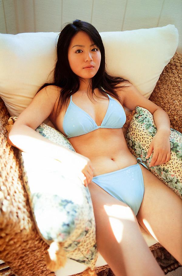 isoyama_sayaka102.jpg