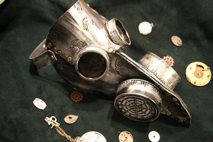 Plague doctor gas mask.jpg