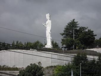 韮崎平和観音像180825