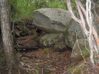 大きな岩が180825