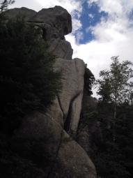 大きな岩の塊180825