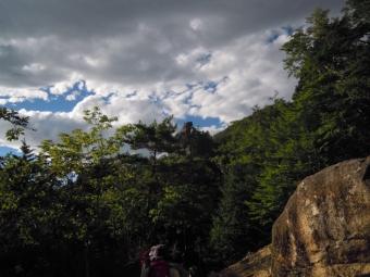 クライマーをそそる岩180825