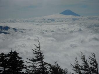 雲海の上に富士山180916