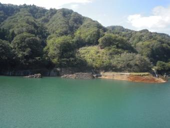 181002宮ケ瀬湖少しは水が増えているけど